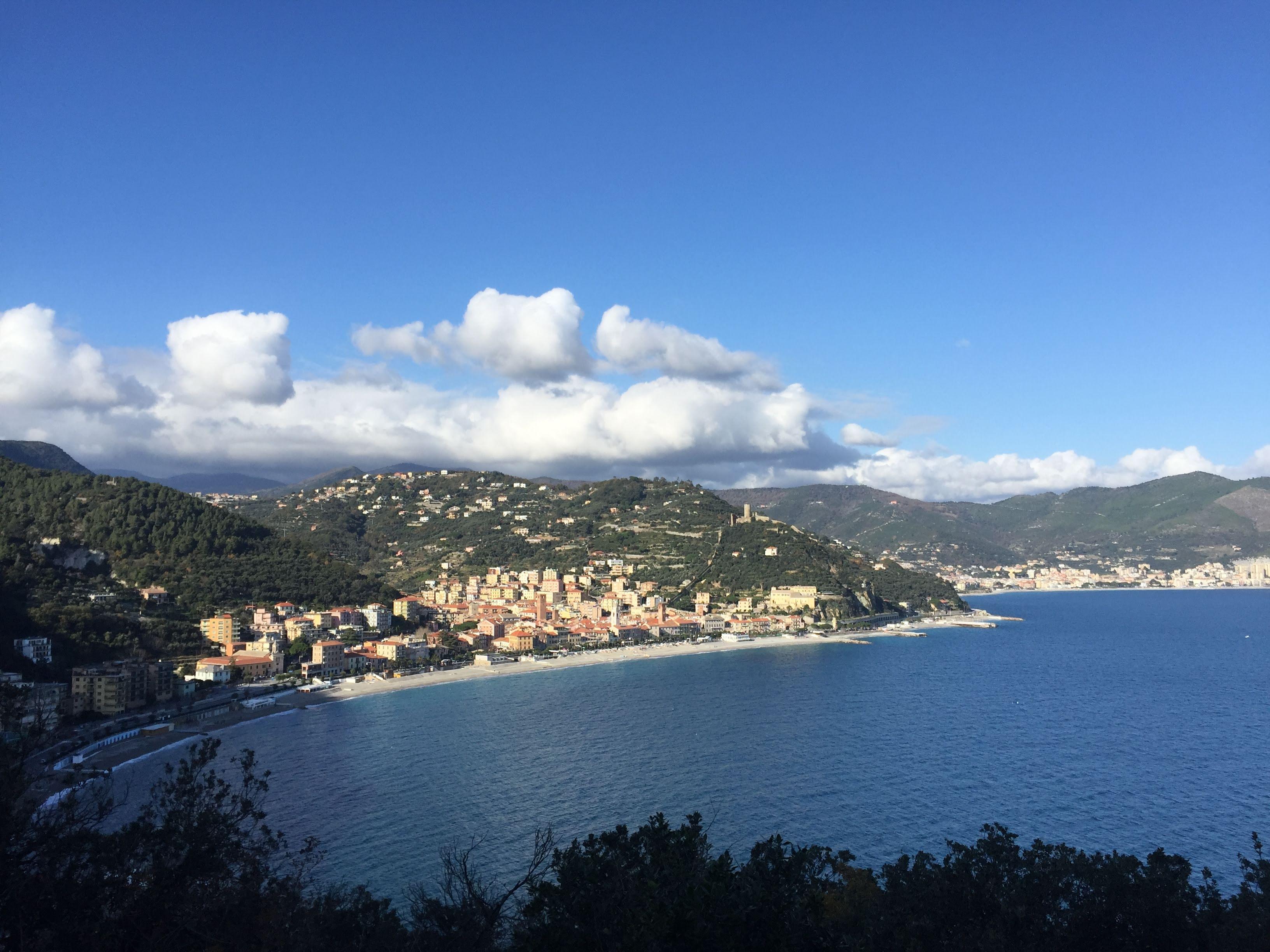 Hiking in Liguria, sentiero del Pellegrino view over Noli
